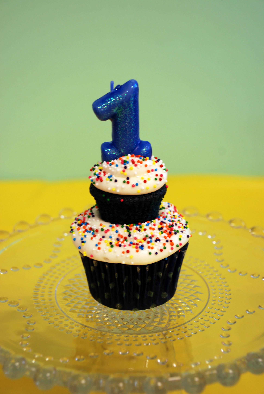Blue Velvet Birthday Cupcakes | Susie Homemaker, MD